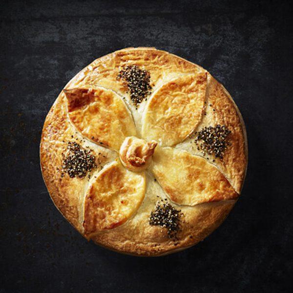 Beef & Burgundy Family Pie 1.2kg – Foodies Australia